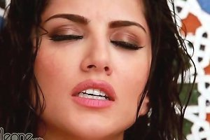 Hot Indian Sunny Leone In The Shower Hd